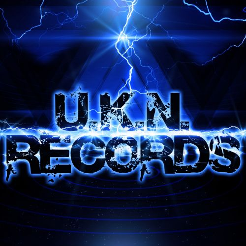 Gareth Emery Feat Christina Novelli - Concrete Angel - UKN Records - 05:33 - 08.07.2013